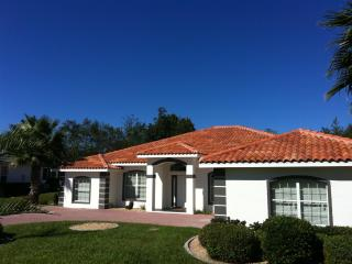 Unlimited Golf in luxurious 4 Bedroom Villa - Inverness vacation rentals