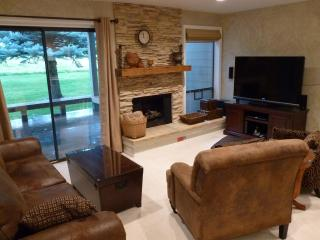 Updated, 55' TV, on Golf Course/Dollar, Best Bed! - Sun Valley vacation rentals