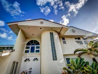 Luxurious 4 bd Oceanfront Estate w/Pool & View - Laie vacation rentals