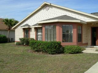 Pet-friendly vacation home in Kissimmee, private pool, free Wi-Fi - Kissimmee vacation rentals