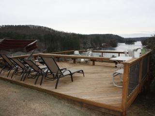 Beautiful & Cozy Home at Lake Arrowhead w deck - Gainesville vacation rentals