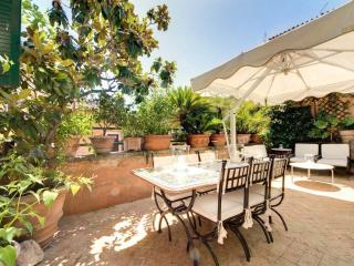 Stunning Pantheon Penthouse In The Heart Of Rome ! - Rome vacation rentals