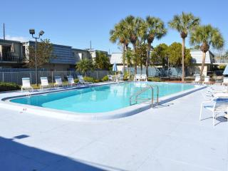 Clearwater, Florida 2 Bedroom Fully Equipped Condo - Clearwater vacation rentals