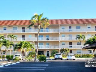 Beautiful water views from this adorable condo - Florida South Gulf Coast vacation rentals