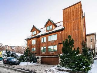 Utopian Lodge Executive Retreat with Walking Distance to PCMR, 10 Bedrooms, Sleeps 28 - Park City vacation rentals