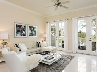 Contemporary Condo - Luxury Modern Decor - Disney vacation rentals