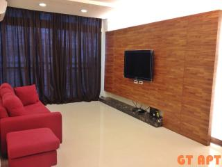 GT 2 Bedroom 2 Bathroom Apartment MRT 30 SECONDS - Taipei vacation rentals