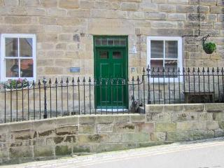 STONEHAVEN, detached property, former Methodist school rooms, two sitting rooms, walking distance to beach, in Staithes, Ref 212 - North Yorkshire vacation rentals