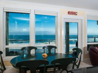 Corner Oceanfront Condo-Private Hot Tub-Pool-WiFi - Depoe Bay vacation rentals