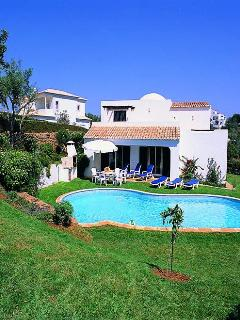 charming 4bdr villa just 2km from Albufeira center