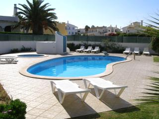 Spacious 5 bdr Villa 800mts from Gale beach - Albufeira vacation rentals