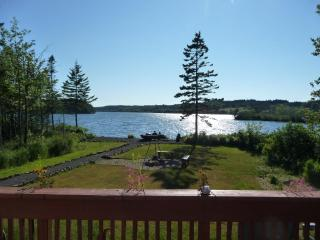 COSY LAKE COTTAGE 1-2 BEDROOM / DIGBY NECK - Nova Scotia vacation rentals