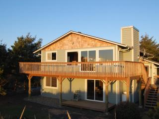 Nature Beach House - Oceanfront - Southern Washington Coast vacation rentals