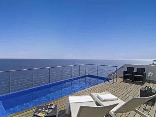 Luxury 5bdr Villa on a cliff edge in Salema beach - Salema vacation rentals