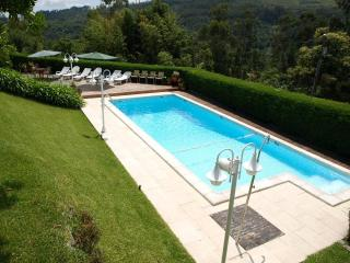 Nice 3bdr Country House pool, AC in living room - Vila Verde vacation rentals