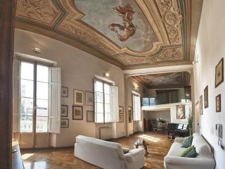 La Sinagoga Suite, wonderful apartment - Florence vacation rentals