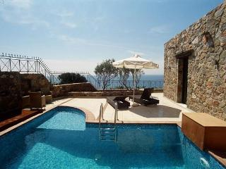Villa Artemis, a unique stone holiday villa - Crete vacation rentals
