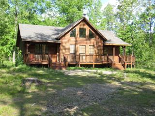 2 Bed Private Cabin easy access to Beaver's Bend - Broken Bow vacation rentals