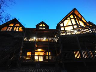 Luxury Mountain Lodge with Soaring Views-5,000SqFt - North Georgia Mountains vacation rentals