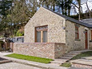 LEADMILL HOUSE WORKSHOP, romantic, off road parking, garden, near Barnard Castle, Ref 21469 - County Durham vacation rentals