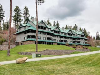 Custom Arrow Point Condo with Lake Views - Harrison vacation rentals
