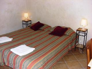 Family apartment - Plaza Cataluña Barcelona 9 - United States vacation rentals