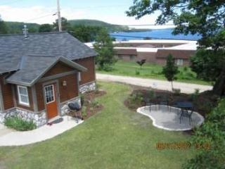 Harbor Cottage,Lake Superior View, in town, Pictured Rocks! - Upper Peninsula Michigan vacation rentals