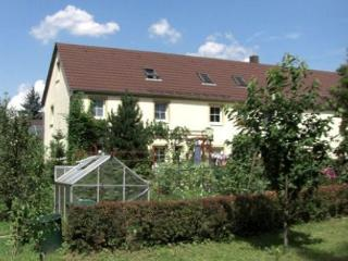 Vacation Apartment in Kodersdorf - 484 sqft, surrounded by nature, quiet, central (# 3533) - Saxony vacation rentals