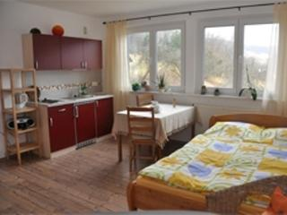 Vacation Apartment in Flörsbachtal - 269 sqft, newly renovated, comfortable and tastefully decorated… - Lohrhaupten vacation rentals