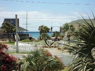 Great Studio Located on Holiday Isle in Destin, Florida - Destin vacation rentals