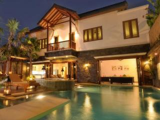 Luxurious Villa Annecy, walk to sea/shops/dining - Seminyak vacation rentals