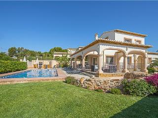 Attractive holiday house for 10 persons, with swimming pool , in Calpe - Medulin vacation rentals