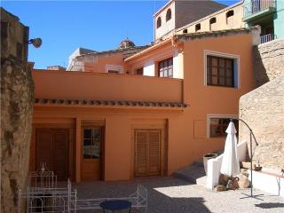 Holiday house for 2 persons, with swimming pool , in Tarragona - Blancafort vacation rentals