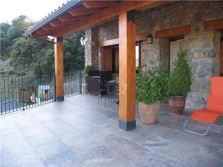 Apartment for 4 persons, with swimming pool , in Pyrenees - Province of Lleida vacation rentals