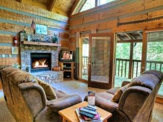 COZY MOUNTAIN HIDEAWAY - Sevierville vacation rentals