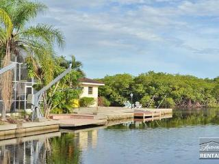 Gorgeous waterfront pool home sleeps up to 14 - Naples vacation rentals