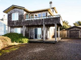 Sea Palace Oceanfront and Hot Tub - Yachats vacation rentals