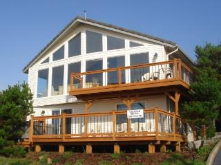 The Boat House Retreat - Lincoln City vacation rentals
