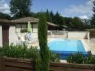 Périgord non shared heated pool  and tennis court - Villereal vacation rentals