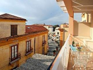 Appartamento Plinia F - Sorrento vacation rentals