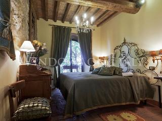 Chianni Suite - Windows on Italy - Tuscany vacation rentals