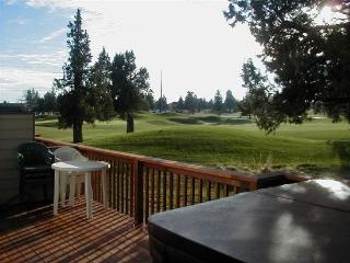 Eagle Crest 2 BR, 2.5 Bath. Hot Tub. Walk to sports center. - Central Oregon vacation rentals