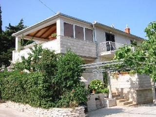 Apartment for 5 persons near the beach in Brac - Supetar vacation rentals