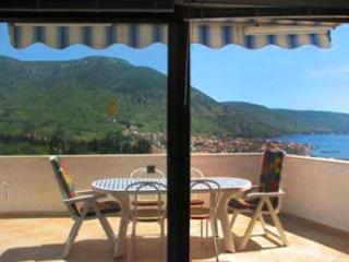 Apartment for 4 persons near the beach in Vis - Komiza vacation rentals