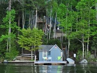 Two Bedroom Cottage Sleeps 8 on Lake Winnipesaukee (FER25W) - Meredith vacation rentals