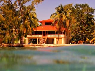 Utila Dreamer Beach House - Bay Islands Honduras vacation rentals