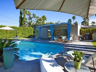 Standing Ovation ~ Special - Take 15% off 5 Nights thru 10/1 - Palm Springs vacation rentals