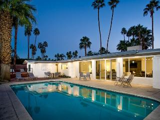 Trousdale Paradise ~ 15% off any 5 night stay thru 8/28! - Palm Springs vacation rentals