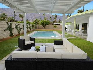Vista Linda ~ Special - Take 15% off 5 Nights thru August! - Palm Springs vacation rentals