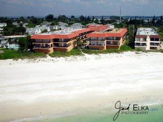 Playa Encantada 112 - Holmes Beach vacation rentals
